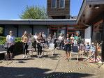 """""""Musik am Fenster"""" erfreut und schafft's auf's ausgefallene Gemeindefest"""