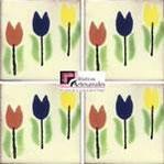 Azulejo Talavera modelo Tulipanes en 10.5 x 10.5 cm, ideal para baños y cocinas mexicanas lo encuentras en Rústicos Artesanales visítanos en nuestra web www.rusticosartesanales.com