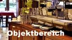 Barista Kaffeevollautomat Cimbali auf einem Massivholztresen aus Mahagoni. Maßgefertigte Möbel im Objektbereich. Ladenbau, Restaurant und Cafeausstattung. Marmor, Glas und Spiegelelemente
