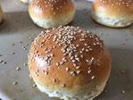 Hamburger Brötchen auf dem Zauberstein gebacken