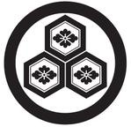 家紋「丸に三つ盛り亀甲に花菱」