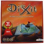 Dixit - ein poetisches Spiel rund um surreal gestaltete Bildkarten und die Assoziationen, die sie hervorrufen. Ab B1.
