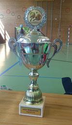Der Pokal gehört uns!
