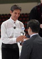 Siegerehrung durch ISU-Präsident Ottavio Cinquanta