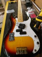 Réparation basse Fender précision