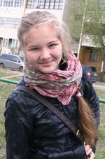 """МАРИЯ ЧУДОВА - ученица 9 """"Л1"""" класса.   Увлекается рисованием и хэнд-мейдом. Любимый художник – Сальвадор Дали. Любит путешествовать."""