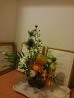 サロンにお花を飾る