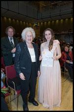 3. Preis, Hilde Zadek Gesangswettbewerb 2015: TAMARA IVANIS, SOPRAN, mit Hilde Zadek (Foto: Fayer)