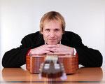 Konrad Huber, Gitarrist, Musiker, Chorleiter