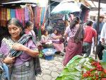 Marktszene in Santiago Atitlan