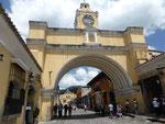 Das Tor - eines der Wahrzeichen von Antigua