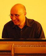 Frédéric : Pianiste et coach pédagogique.