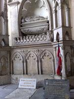 La Tombe de Humbert aux blanches mains, fondateur en 1032 du premier Trône de Savoie