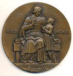 Médaille éditée pour le 3e centenaire de sa naissance en 1951. Signée L.A. Lejeune, bronze 69 mm.