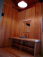 脱衣洗面室仕上げ杉板張り