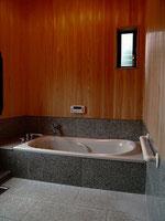 浴室 壁・天井 檜張り