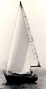 Eloise Ovni 25 sous Belle Ile en 1982