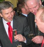 Ein lachender Klaus Wowereit. Der Regierende Bürgermeister von Berlin beim Messerundgang IGW 2008. Foto: Helga Karl