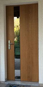 moderne starke Haustüre Modell Werdenberg mit Eichendoppel in Bandsägenschnitt