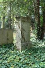 Grabmal von Hermann Weber aus Lahnmarmor (Foto: E.Klein)