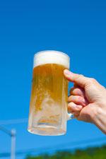 青空とビールを片手に1