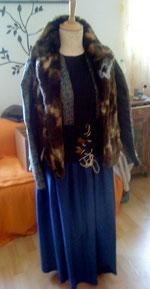 Kleid mit Fellweste