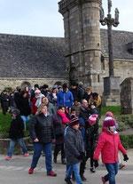 9h30 : départ depuis l'église de Guimaëc (avec les enfants du caté)