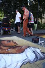 das waisenmädchen, strassenmalerei lydia hitzfeld, valkenburg 2009