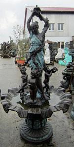Gartenbrunnen aus Bronze Frau mit Kindern