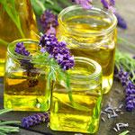 Hochwertigste biologische, pflanzliche Massageöle aus dem Institut Wohlgemuth