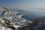 羅臼国後展望塔から見る羅臼の町と流氷