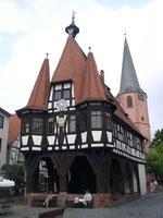 Rathaus - erbaut 1484