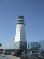 Flughafen Wien - höchster Tower Europas © Andreas Unterberg