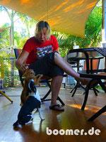 Roo und Foxy leisten uns beim Frühstück Gesellschaft