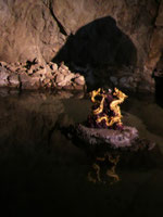 江の島岩屋の龍の像