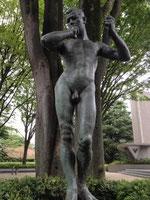 この銅像です!