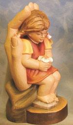 Bild Holzfigur Mädchen mit Blume Nr. 384 handgeschnitzt