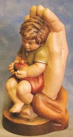 Bild Holzfigur Junge mit Vogel Nr. 414 handgeschnitzt