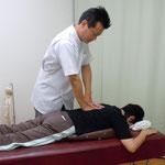 施術は痛みのない刺激を用いて行います。