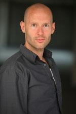 Professionelles Redigieren und Verfassen: Dipl.-Volkswirt Stephan Arweiler, erfahrener Lektor, schreibt und redigiert Ihre Texte aus Werbung und Wirtschaft zuverlässig und schnell
