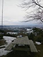 山頂からの景色・・・寒そう!