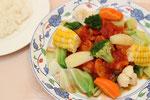 ☆新得地鶏のトマトソース煮季節の夏野菜添え