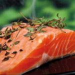 Il est recommandé de consommer 2 fois par semaine du poisson dit « gras » comme le saumon, le hareng pour leur omega 3 LR - SUPER OMEGA - Oméga 3