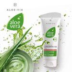 Une concentration à 90% de gel pur d'Aloe vera qui submerge votre peau, hydratation intense. Soin très rapide des petites plaies, foulures, élongations, traumatismes, brûlures légères, hémorroïdes..