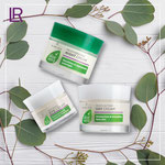 Des crèmes à base d'aloé véra pour une hydratation intense Les soins du visage LR ALOE VIA contiennent de l'Aloe Vera ainsi que des extraits d'olive bio pour une hydratation parfaite de votre peau. LR