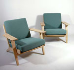Easy chairs design Hans J Wegner for Getama mod. GE-290.