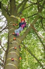 Lilly Haremsa kletterte wie fast alle anderen Kinder 10 m hoch in die Bäume.