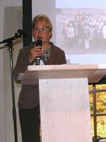 Frau Angelika Kleine-Möllhoff