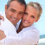 Zahnlücke: Implantat mit Krone oder Zahnbrücke? Was ist besser?