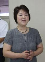 開会の挨拶を行う協議会・指導担当の横川惠さん